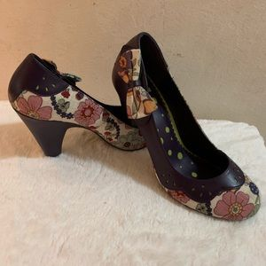 Not Rated Floral Pumps with Bow Accent